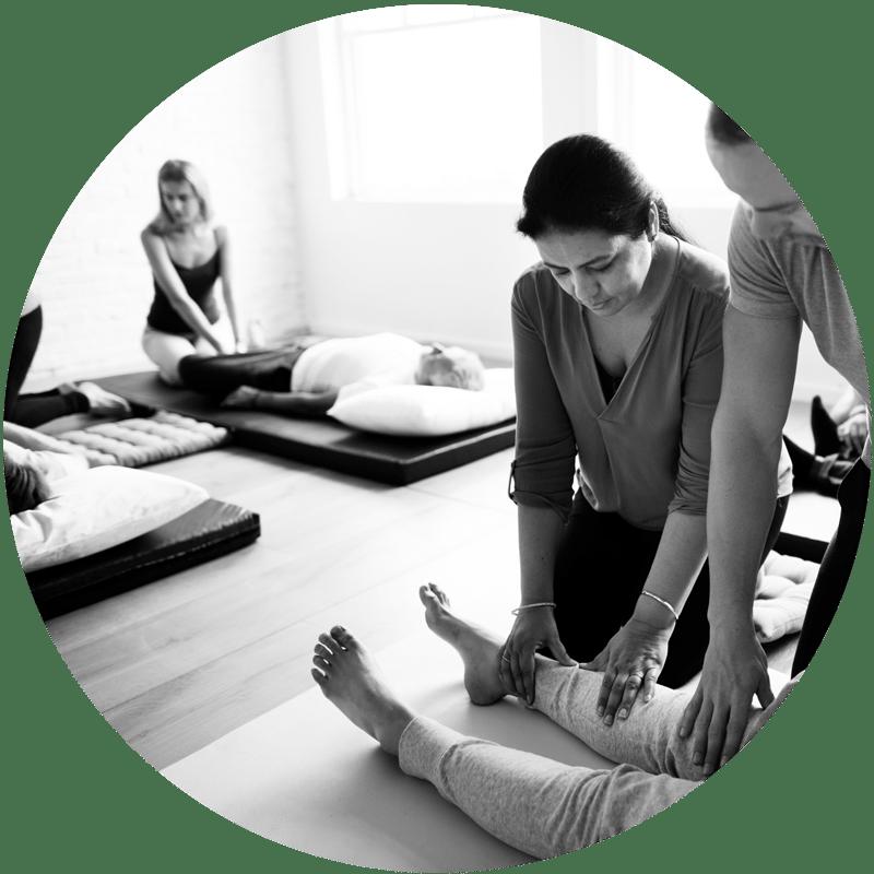 Sessions de formation au massage ayurvédique par J'ananda, massages traditionnels ayurvédiques à Guénange
