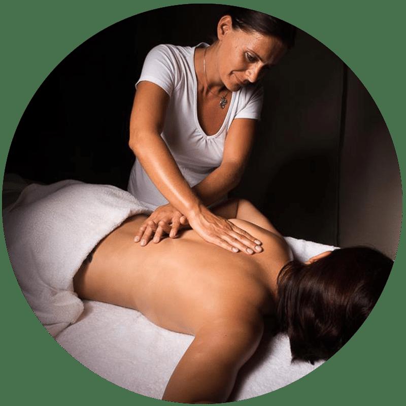Massage du dos de J'ananda, massages traditionnels ayurvédiques à Guénange